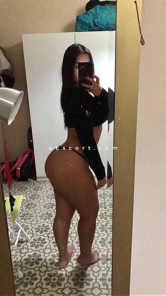 Safira big ass